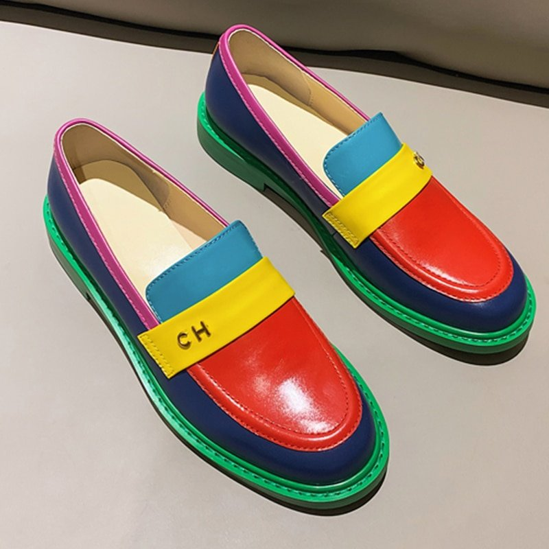 Women flat shoes 2020 , genuine leather , sneakers round